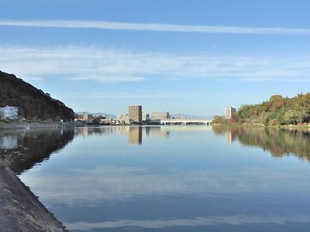瀬田川01 湖畔のよう