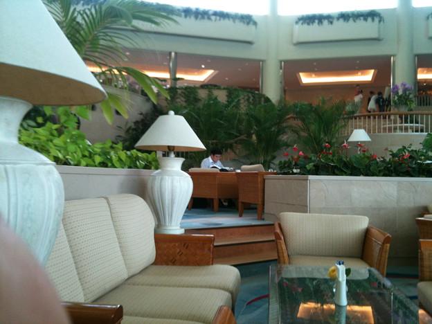 写真: ラグナガーデンホテル アトリウムラウンジ