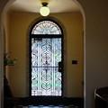 Photos: 2017.02.17 ベーリック・ホール 春一番が玄関の扉を閉める