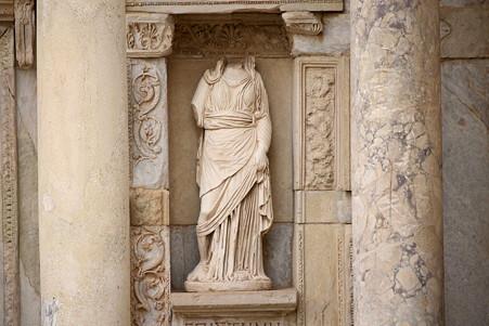 2011.01.23 トルコ 古代都市エフェス ケルスス図書館-3