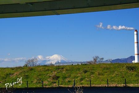 富士山と・・煙突のある風景・・