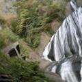 Photos: た、滝に落ちる~!