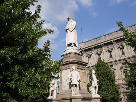 160518-24ダビンチ像