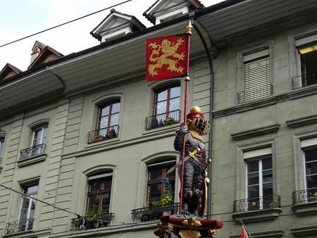 160721-05熊の銅像