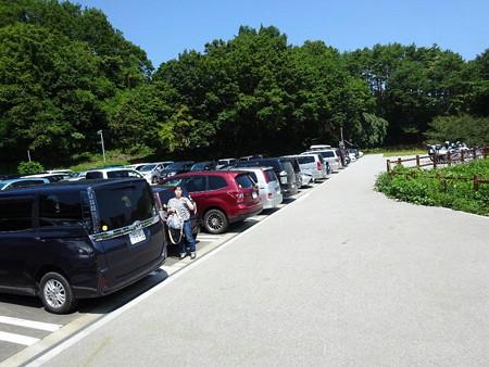 160807-04駐車場
