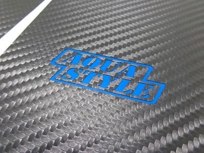 トヨタAQUA 傷防止シート キックパネル ロゴ有り ロゴカラー ブルー