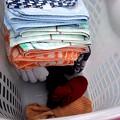 写真: 洗濯物、取り込む時点で畳んどけばあとが楽~誰もやろうとしない我が家の女子連…(・・)ぴ2