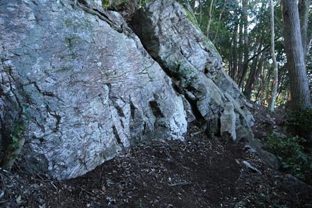 亀之烝の隠岩 (1)