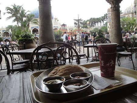 カスバ・フードコートで三種のカリー食べながらストリートシークス
