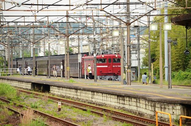 ED75牽引旧型客車黒磯5番入線!