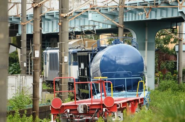 Photos: EF64+ホキ+タキ+青赤コキ配6794レ