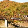 Photos: 紅葉の湯西川橋梁を行くAIZUマウントエクスプレス