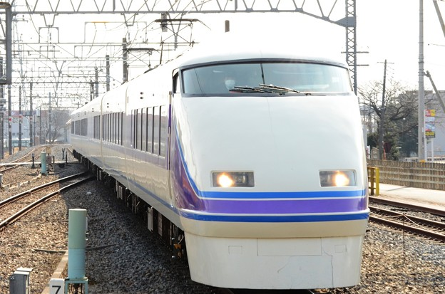 東武100系スペーシア「雅」編成特急きぬ111号新鹿沼3番入線