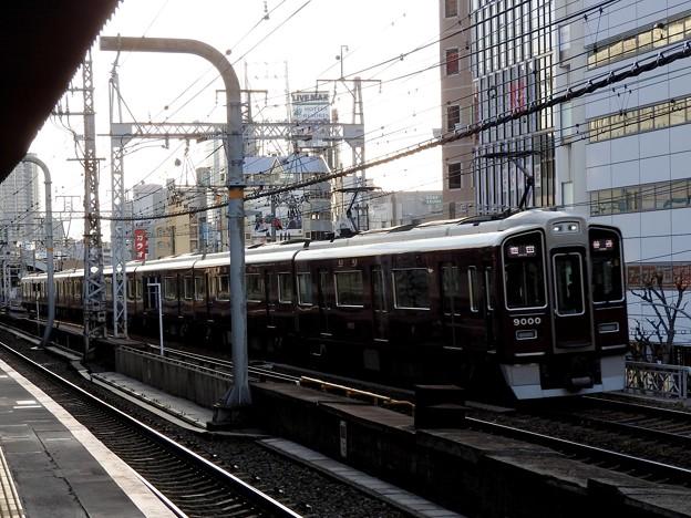 阪急9000系普通梅田行き
