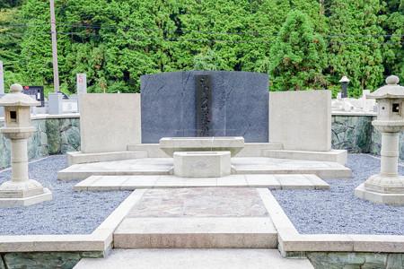 高野山奥の院 シャープの墓