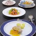 今晩は、塩豚オレンジソース、旬菜サラダ昆布ドレッシングチアシードナッツ、蒸し鶏と塩豚出汁の洋風沢煮、黒米ともち麦ご飯