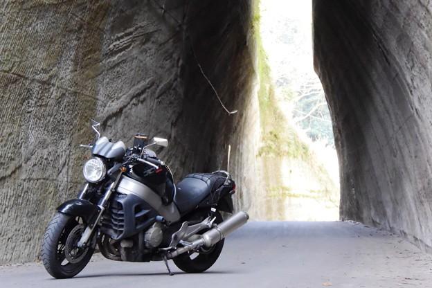 燈籠坂大使の切通しトンネル