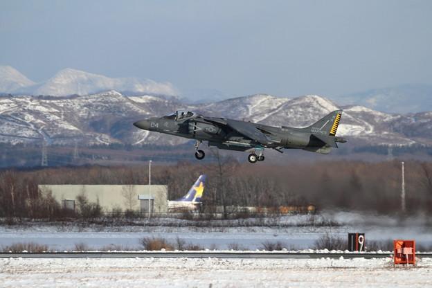 AV-8B WH-04 takeoff