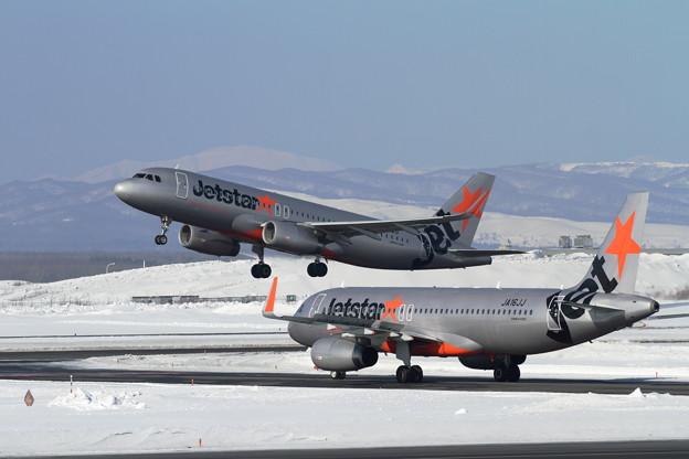 A320 Jetstarが2機