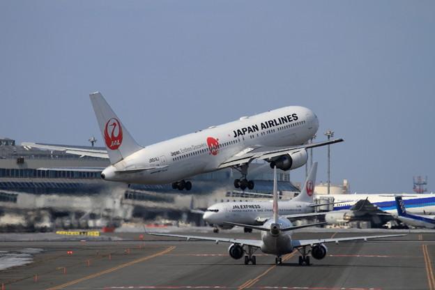 B767 JA614J JAL