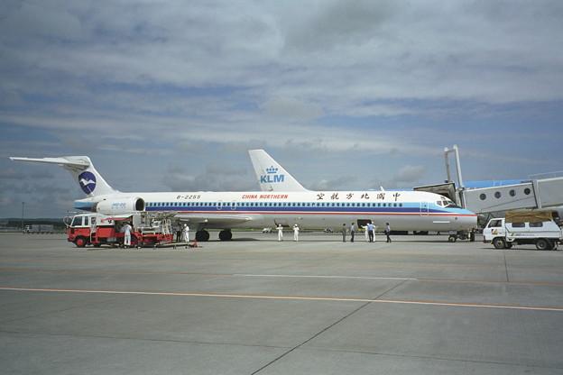 MD-90 B-2255 China Northern CTS 1998.06