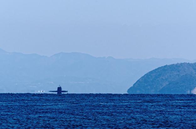 あっ!あれはなんだ?潜水艦か?いや 潜空艦だ!! d(=^m^= )