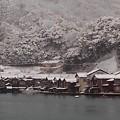 雪化粧した舟屋群(1)