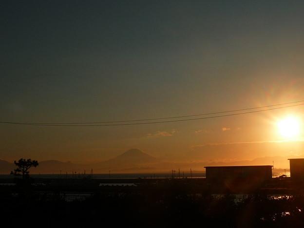 江ノ島大橋から見た夕日と富士山4