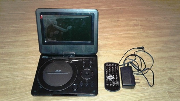 DVD Player ( $10)
