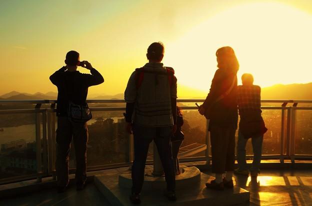 標高144m、太陽光のパワーを感じる瞬間 in 千光寺山展望台