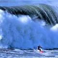 写真: 【速報ニュース】大西洋で観測史上最大の大波が発生 in ポルトガル