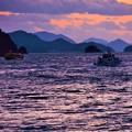 Photos: 定期連絡船の往来する夕景