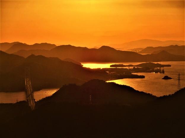 茜色のしまなみ海道春景色 in 高見山展望台