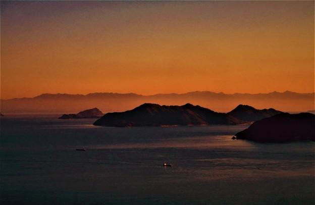 四国連山がくっきりと観える 燧灘の夕暮れ 2017.2.19