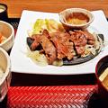 大戸屋 ( 成増 )  生姜醤油漬け炭火焼き牛たん定食      2017/02/19