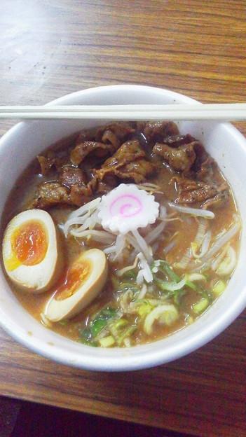 石川県の神仙、濃厚味噌の炎炙肉盛そばでした。他にもおいしそうなの...