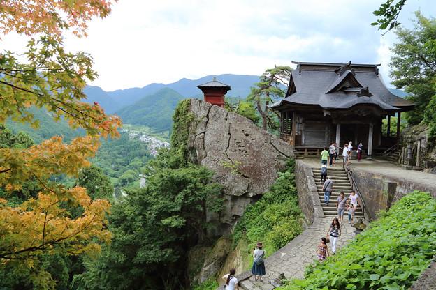 山寺(開山堂と納経堂)
