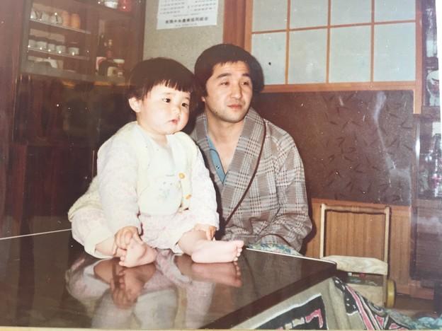 Photos: お父さんとテレビ鑑賞