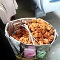 Photos: 列車内販売、揚げ物 海老入もあって美味しいです(スリランカ終わり)