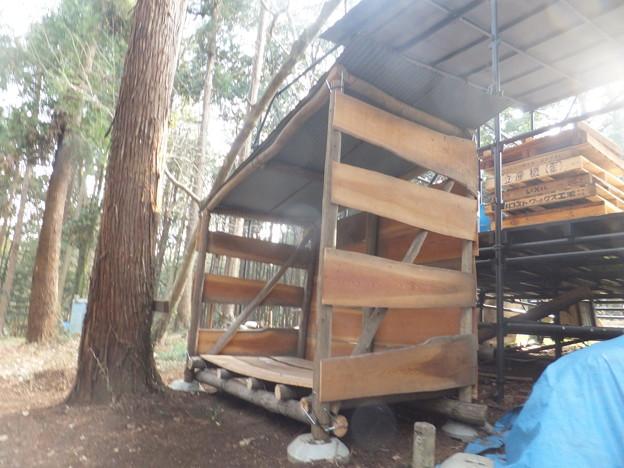 第一薪小屋も完成