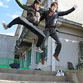 Photos: 二人でジャンプ