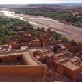 マレ川を望む砦の村