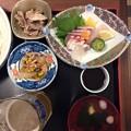 写真: 下関市、出張サラメシビール半額270円しかもトレインビュー