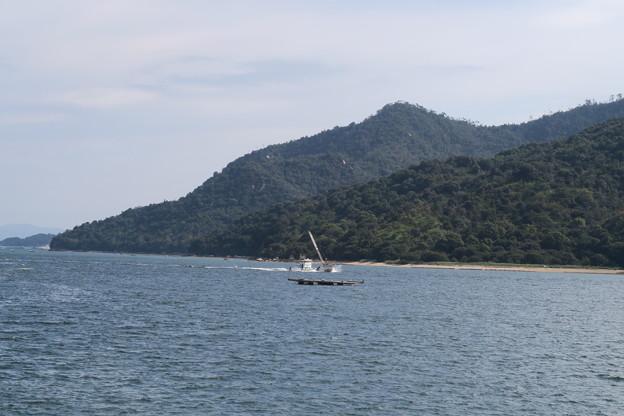 牡蠣船が行く