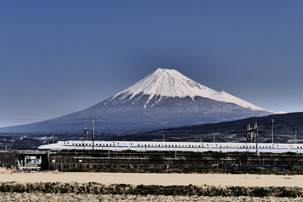 N700系と富士山