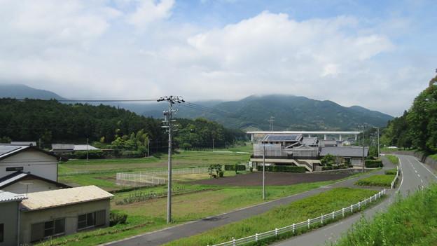 Photos: 長篠設楽原合戦場(新城市)小幡上総介信貞之墓前より