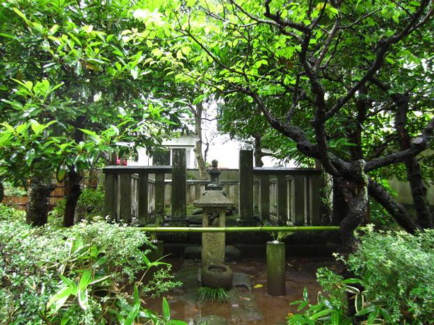 明月院(鎌倉市)北条時頼墓