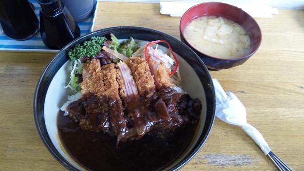 ウヰンブル丼950円