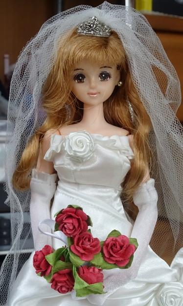 ウェディングドレス(ローズリエール)を着たジェニー(J1)(アップ)