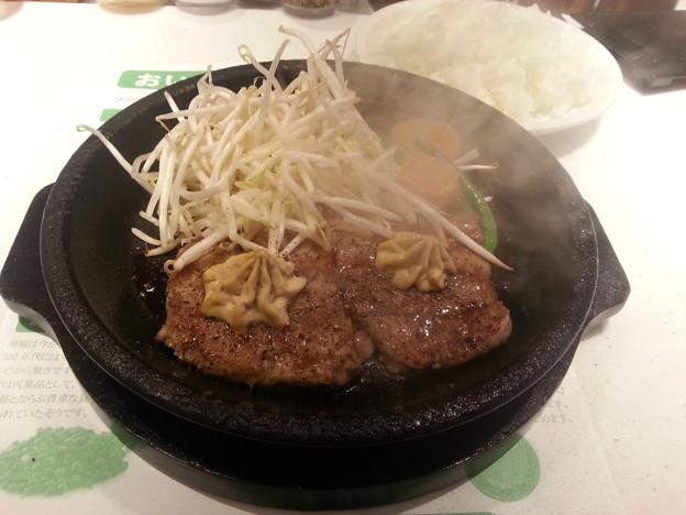 新宿 ペッパーランチ ペッパーステーキ& ハンバーグ盛り ライス大盛り無料\(^o^)/